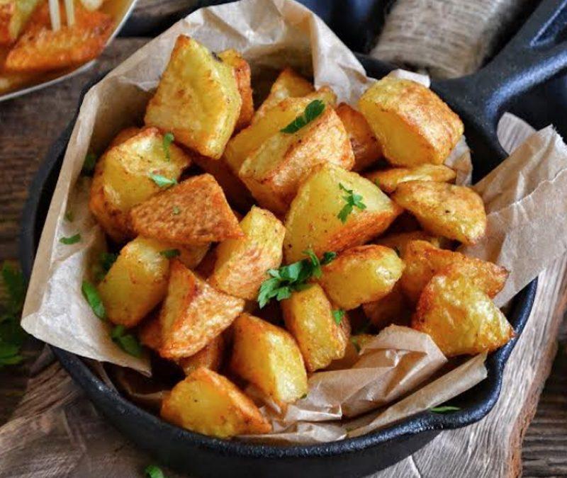 Pieczone ziemniaczki są świetne jako przekąska lub dodatek do obiadu czy kolacji