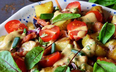 Sałatka kartoflana z kabanosami
